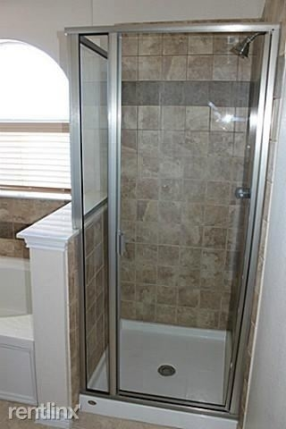 3 Bedrooms, The Cascades at The Legends Rental in Dallas for $1,845 - Photo 2