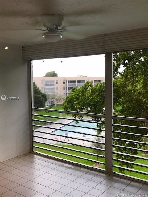 3 Bedrooms, Sabal Palm of Pine Rental in Miami, FL for $1,750 - Photo 2