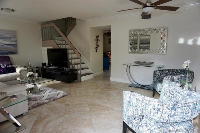 3 Bedrooms, Hialeah Rental in Miami, FL for $1,900 - Photo 2