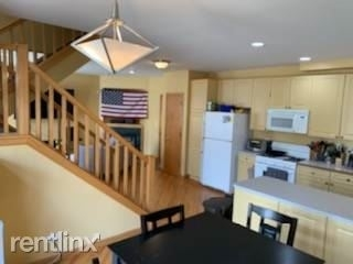 4 Bedrooms, Wrightwood Rental in Chicago, IL for $4,000 - Photo 2