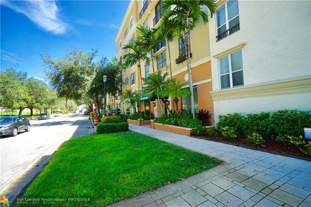 2 Bedrooms, Courtyards in Cityplace Condominiums Rental in Miami, FL for $1,800 - Photo 1