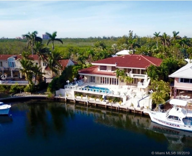 5 Bedrooms, Gables by The Sea Rental in Miami, FL for $12,900 - Photo 2