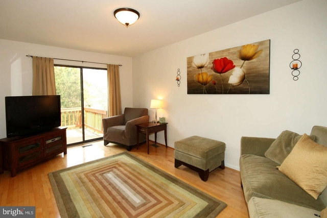 3 Bedrooms, South Run Rental in Washington, DC for $2,500 - Photo 2