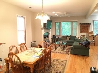 3 Bedrooms, Roscoe Village Rental in Chicago, IL for $2,800 - Photo 2