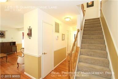 3 Bedrooms, Lake Ridge Rental in Washington, DC for $2,200 - Photo 2