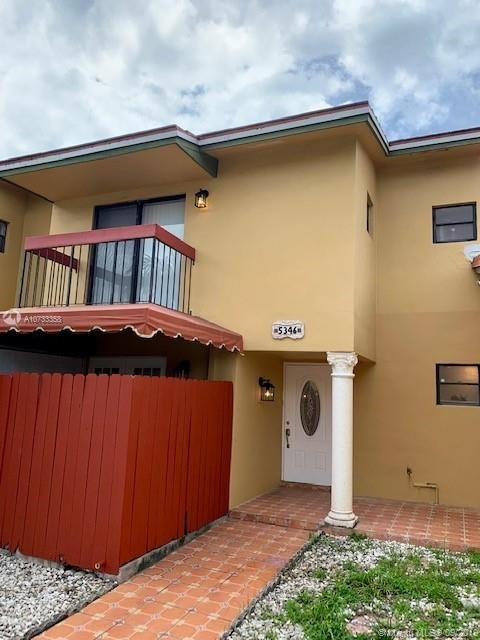 3 Bedrooms, West Lake Rental in Miami, FL for $1,950 - Photo 1