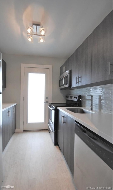 1 Bedroom, West Avenue Rental in Miami, FL for $1,850 - Photo 2