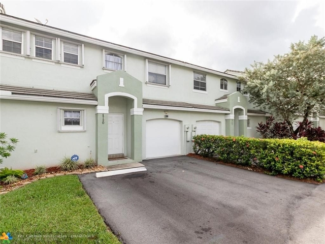 3 Bedrooms, Hawke's Bluff Rental in Miami, FL for $2,495 - Photo 2
