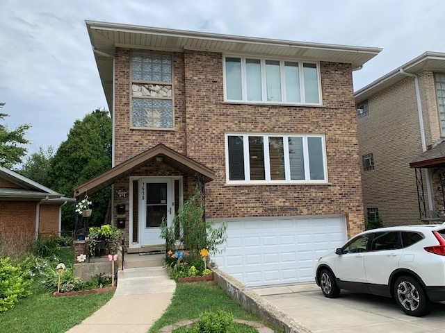 3 Bedrooms, Park Ridge Rental in Chicago, IL for $1,695 - Photo 1