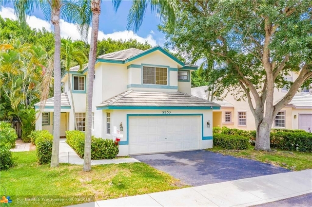 3 Bedrooms, Forest Ridge Rental in Miami, FL for $2,650 - Photo 1
