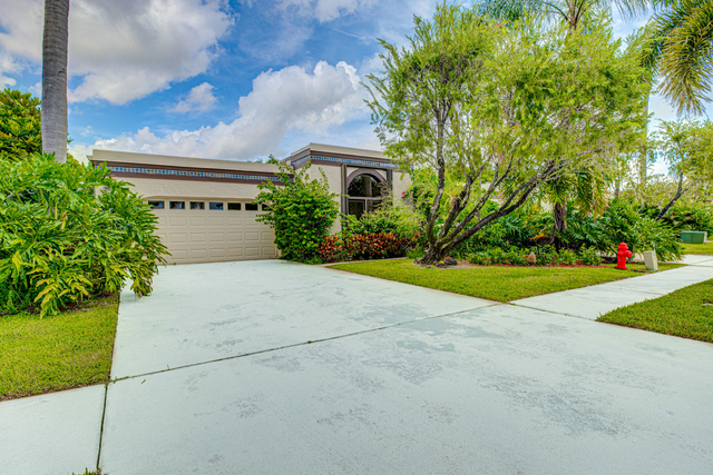 3 Bedrooms, The Fountains Country Club Rental in Miami, FL for $2,400 - Photo 2