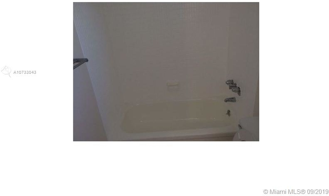 1 Bedroom, West Avenue Rental in Miami, FL for $2,000 - Photo 2