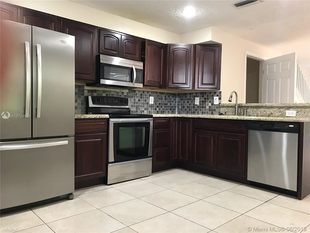 4 Bedrooms, Weston Rental in Miami, FL for $2,500 - Photo 2