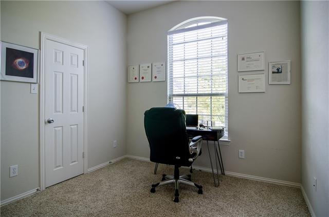 3 Bedrooms, McKinney Rental in Dallas for $2,200 - Photo 2