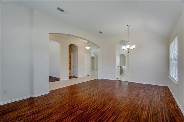 3 Bedrooms, Bradford Ridge Rental in Dallas for $1,900 - Photo 2