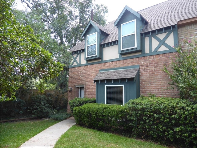 3 Bedrooms, West Bayou Oaks Townhome Rental in Houston for $2,000 - Photo 1