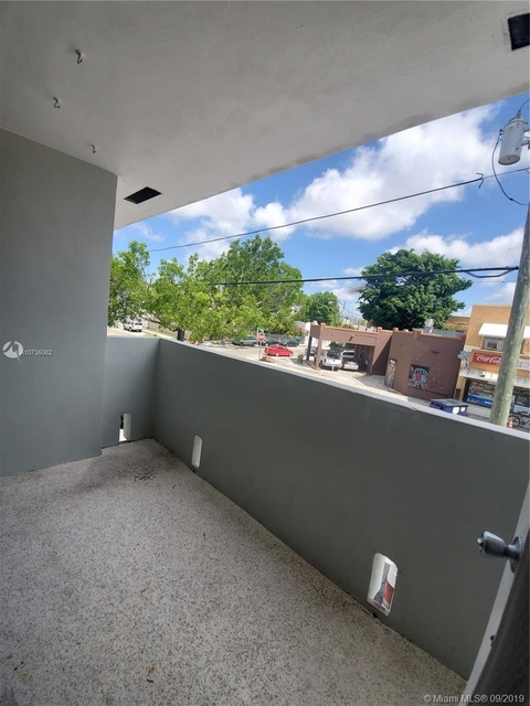 2 Bedrooms, Riverview Rental in Miami, FL for $1,300 - Photo 1