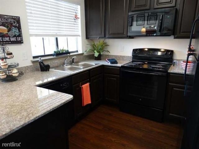 1 Bedroom, Garland Rental in Dallas for $1,249 - Photo 2