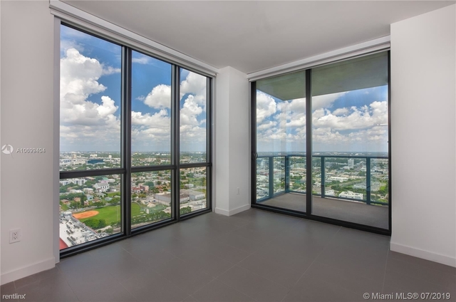 2 Bedrooms, Media and Entertainment District Rental in Miami, FL for $2,400 - Photo 2