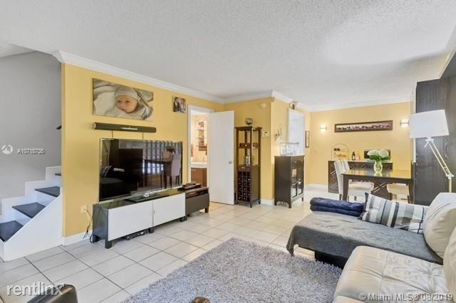 2 Bedrooms, Allamanda Gardens Rental in Miami, FL for $2,300 - Photo 1