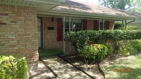 3 Bedrooms, Eastwood Estates Rental in Dallas for $2,495 - Photo 2