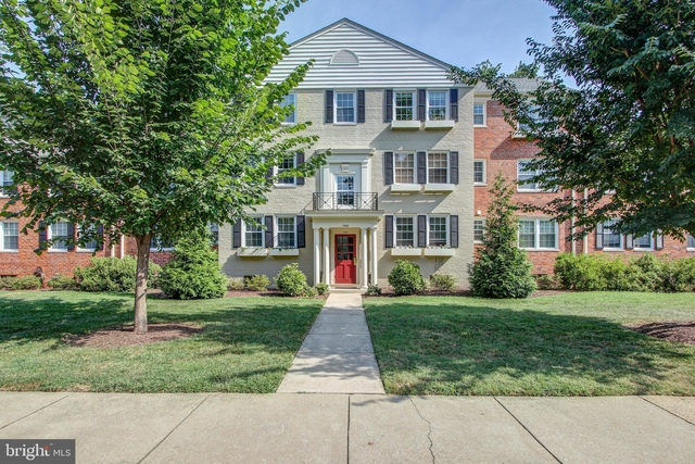 2 Bedrooms, Belle Haven Rental in Washington, DC for $1,695 - Photo 1