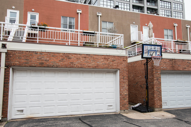 3 Bedrooms, Dearborn Park Rental in Chicago, IL for $3,600 - Photo 1