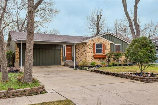 3 Bedrooms, Las Casas Rental in Dallas for $1,800 - Photo 1