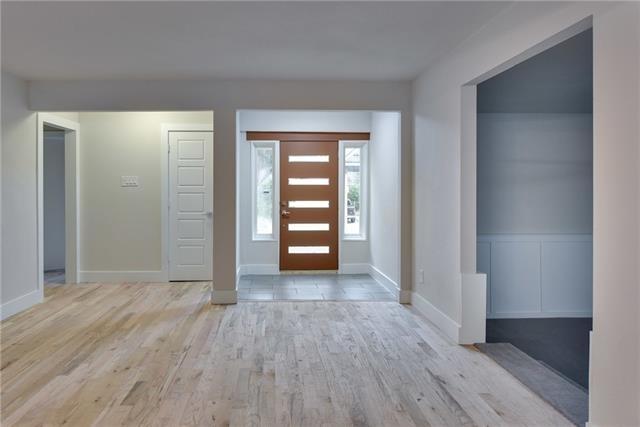 3 Bedrooms, Las Casas Rental in Dallas for $1,800 - Photo 2