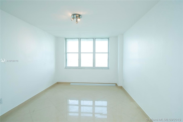2 Bedrooms, Brickell Key Rental in Miami, FL for $2,575 - Photo 1