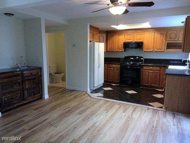 3 Bedrooms, Westside Costa Mesa Rental in Los Angeles, CA for $3,000 - Photo 2