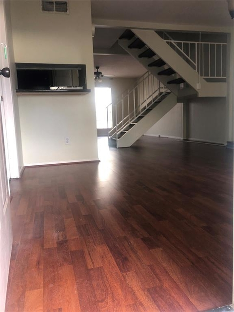 3 Bedrooms, Fairmont Townhome Rental in Houston for $1,300 - Photo 2
