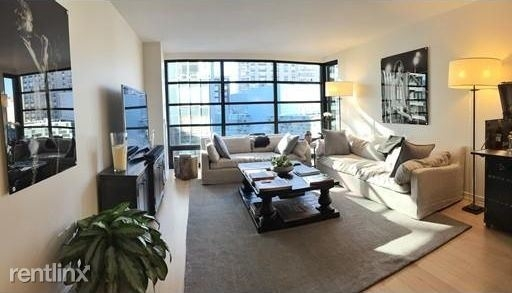 2 Bedrooms, Chinatown - Leather District Rental in Boston, MA for $1,000 - Photo 1