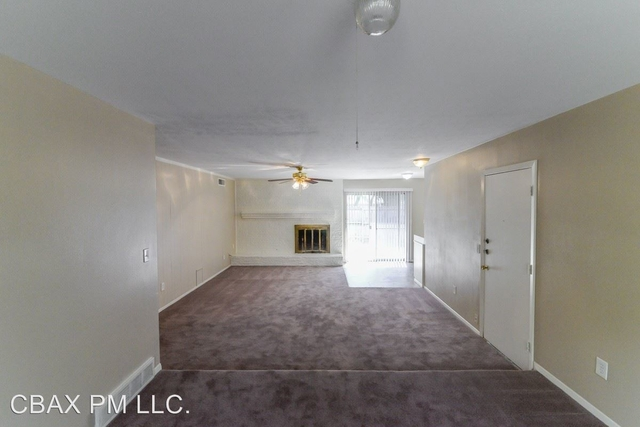 3 Bedrooms, Highland Meadows Rental in Dallas for $1,425 - Photo 2