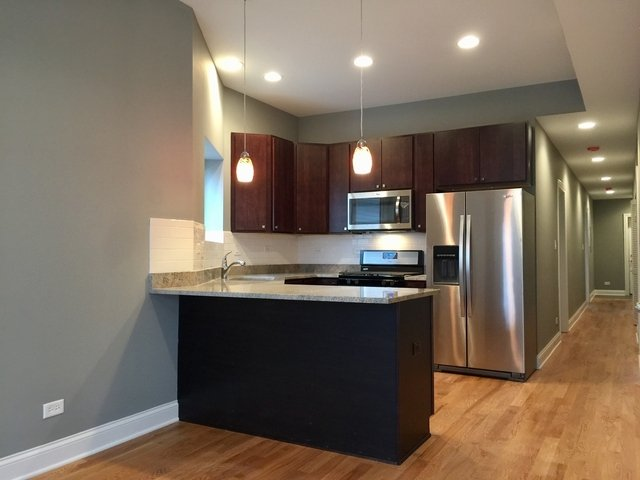 3 Bedrooms, Woodlawn Rental in Chicago, IL for $1,950 - Photo 2