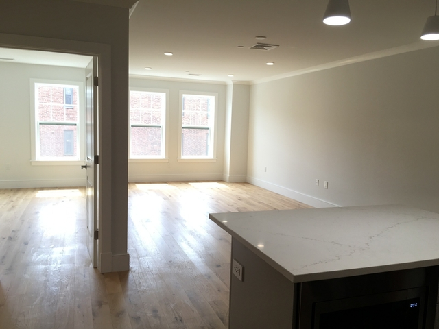 1 Bedroom, Thompson Square - Bunker Hill Rental in Boston, MA for $2,800 - Photo 2