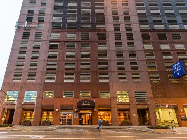 2 Bedrooms, Streeterville Rental in Chicago, IL for $2,700 - Photo 1