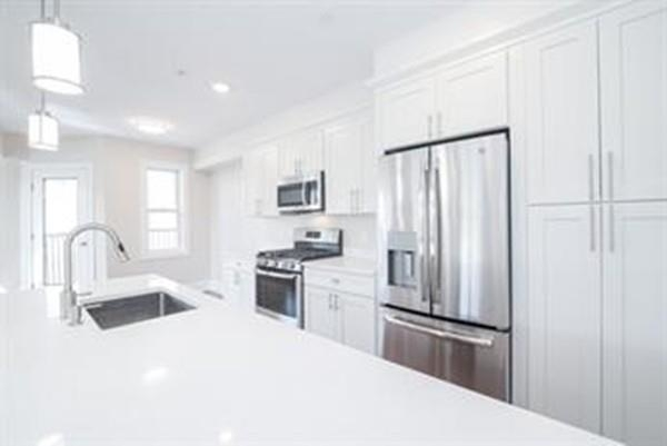 2 Bedrooms, Quincy Center Rental in Boston, MA for $2,500 - Photo 1