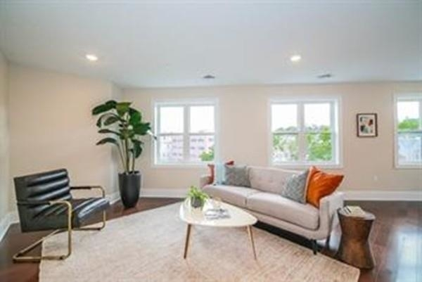 2 Bedrooms, Quincy Center Rental in Boston, MA for $2,500 - Photo 2