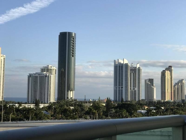 1 Bedroom, Golden Shores Ocean Boulevard Estates Rental in Miami, FL for $1,674 - Photo 1