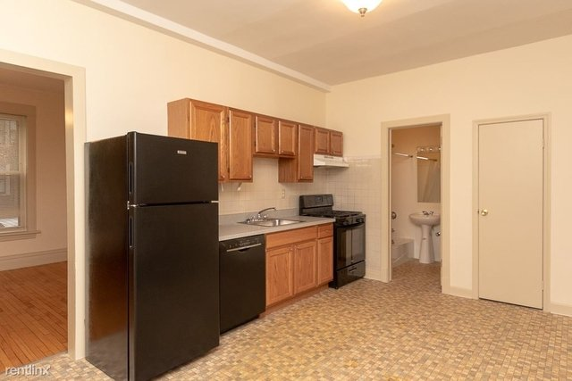 2 Bedrooms, North Center Rental in Chicago, IL for $1,575 - Photo 2