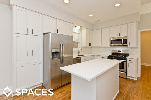 2 Bedrooms, Wrightwood Rental in Chicago, IL for $3,200 - Photo 1