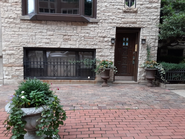 1 Bedroom, Gold Coast Rental in Chicago, IL for $1,425 - Photo 1