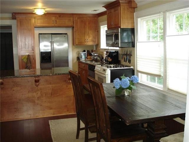 2 Bedrooms, DeKalb County Rental in Atlanta, GA for $1,600 - Photo 2