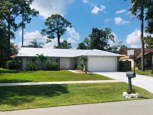 3 Bedrooms, Sugar Pond Manor of Wellington Rental in Miami, FL for $6,500 - Photo 1