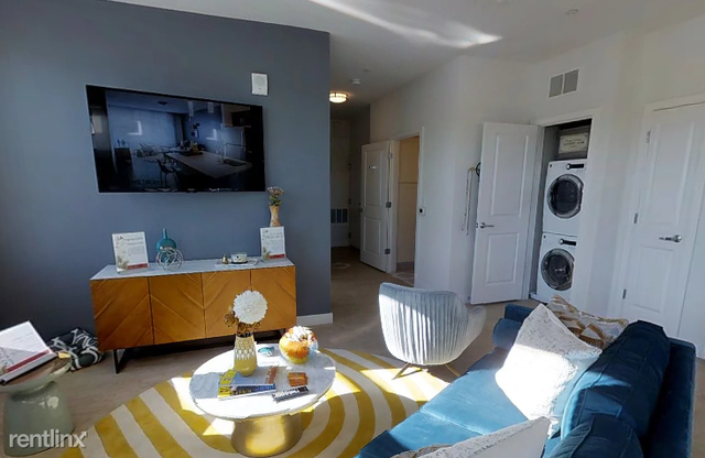 1 Bedroom, Jamaica Central - South Sumner Rental in Boston, MA for $2,325 - Photo 2