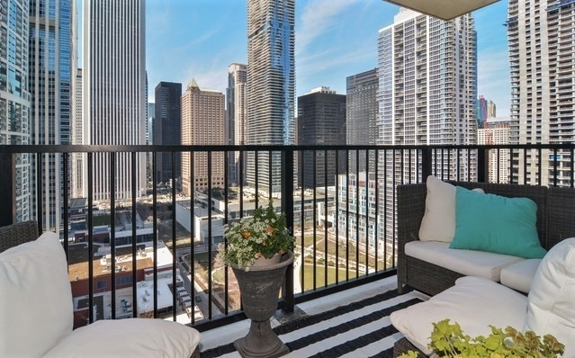 2 Bedrooms, Near East Side Rental in Chicago, IL for $3,150 - Photo 2