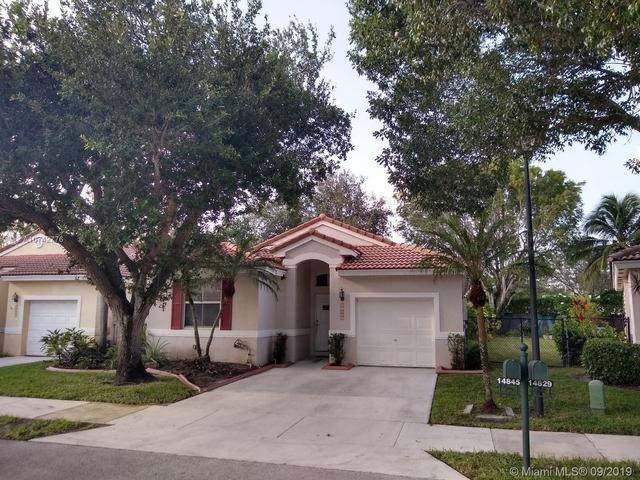 3 Bedrooms, Regency Rental in Miami, FL for $2,300 - Photo 1