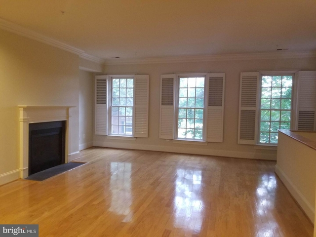 3 Bedrooms, Chatham Square Rental in Washington, DC for $3,650 - Photo 2