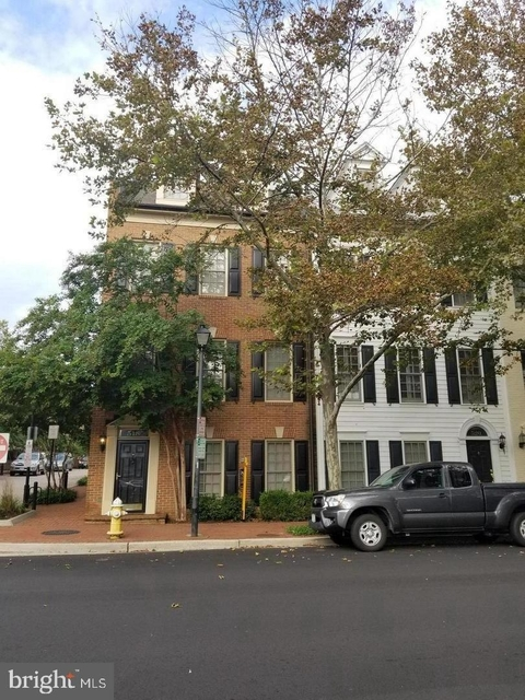 3 Bedrooms, Chatham Square Rental in Washington, DC for $3,650 - Photo 1